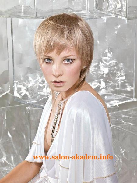 Стрижка каскад на короткие волосы с фото