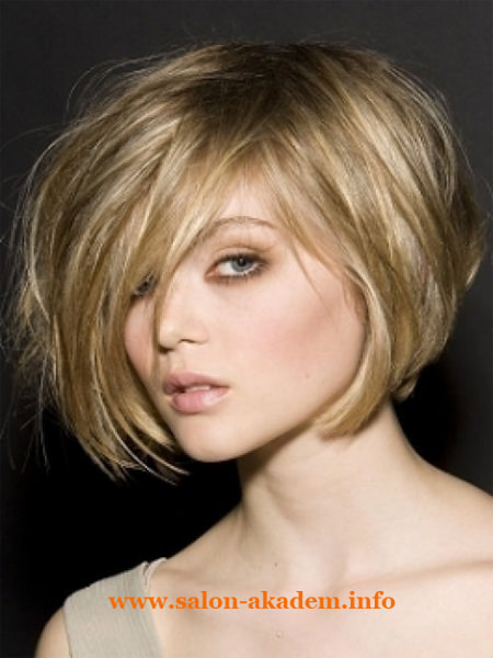 Стрижка боб на средние вьющиеся волосы