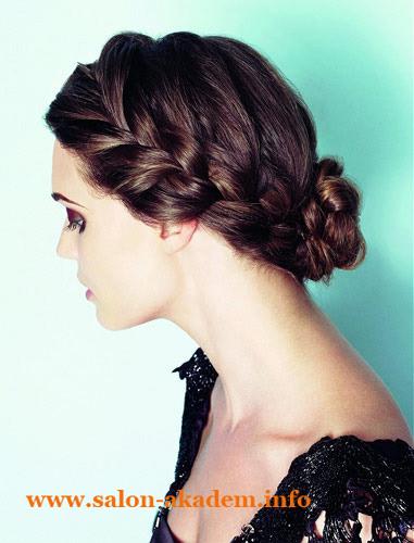 Прическа в греческом стиле с косами