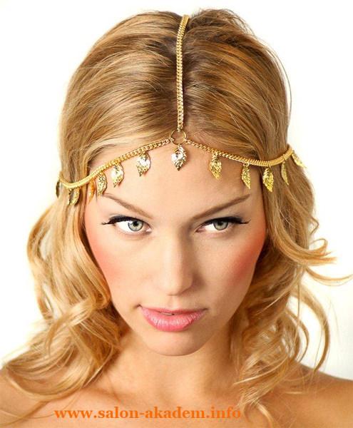 Греческие прически с короной