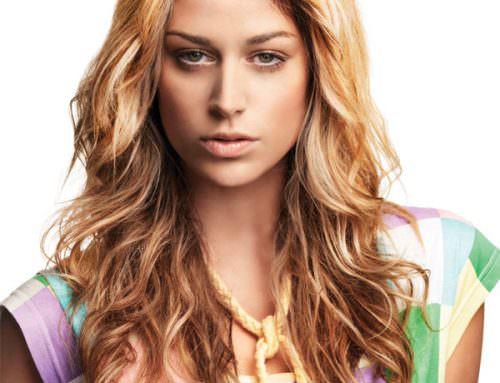 Прическа каскад на вьющиеся и волнистые волосы