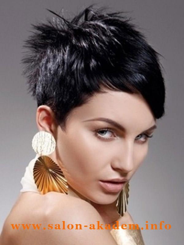 Фото женские прически с короткими волосами